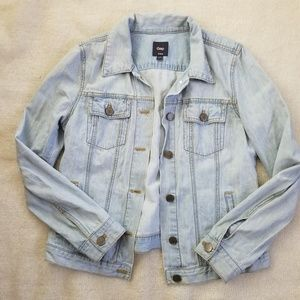 Gap light wash denim Jean jacket medium